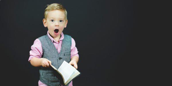 Vil du vide mere - Au Pair Infomøde - Dreng læser i bog
